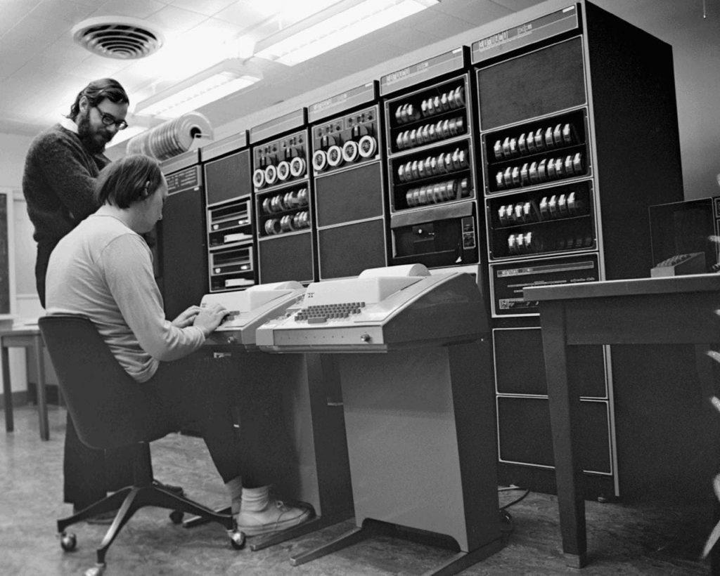 Programación en informática a través del tiempo su evoluciono