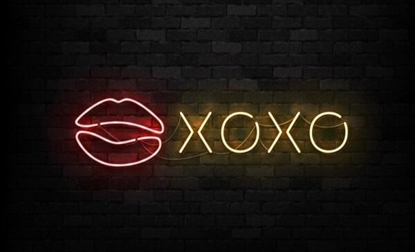 que significa XOXO como sigla